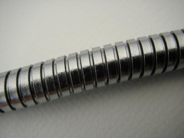 Schwanenhals - Flexible Metallleitungen und -rohre | Hagitec Co.
